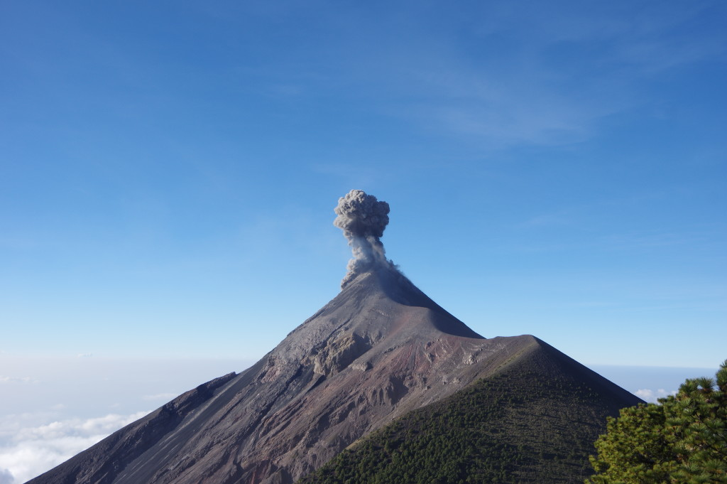 Another eruption of Fuego