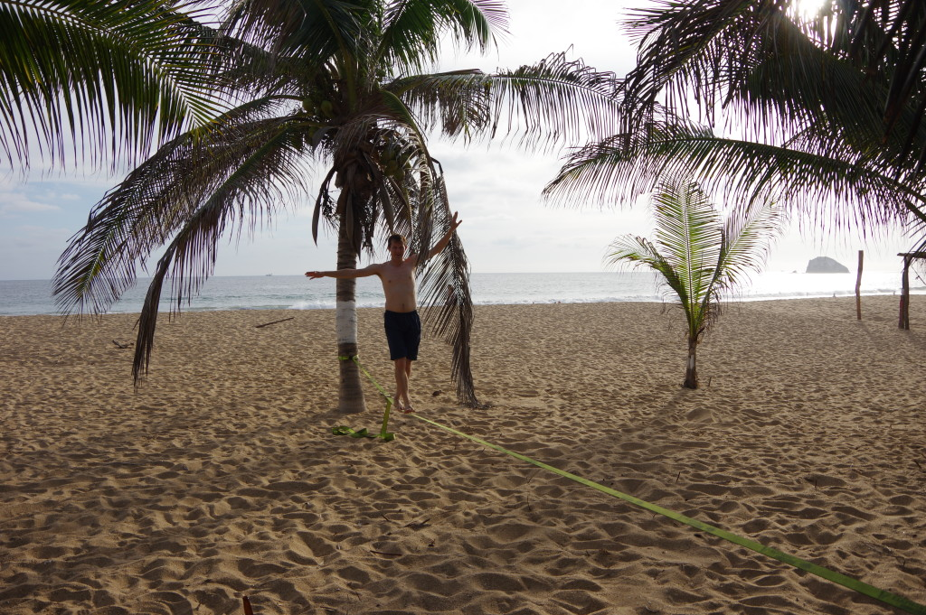 Slacklining on the beach