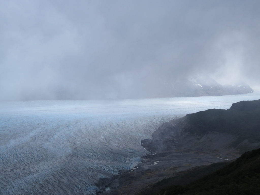 Glaciar Grey as seen through the fog